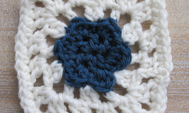 Free Crochet Pattern: Small Flower Afghan Square